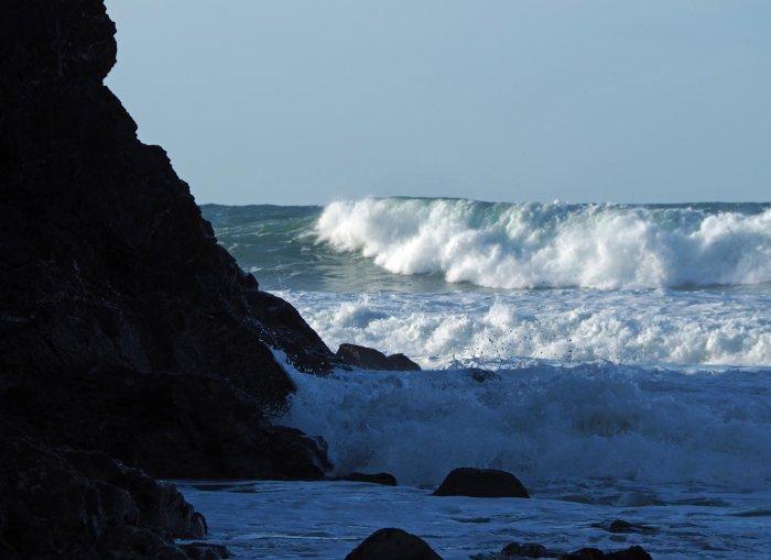 wave-9